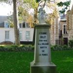 katjeulin nous a ramené de jolies photos du Jardin de l' Hôtel Groslot 1