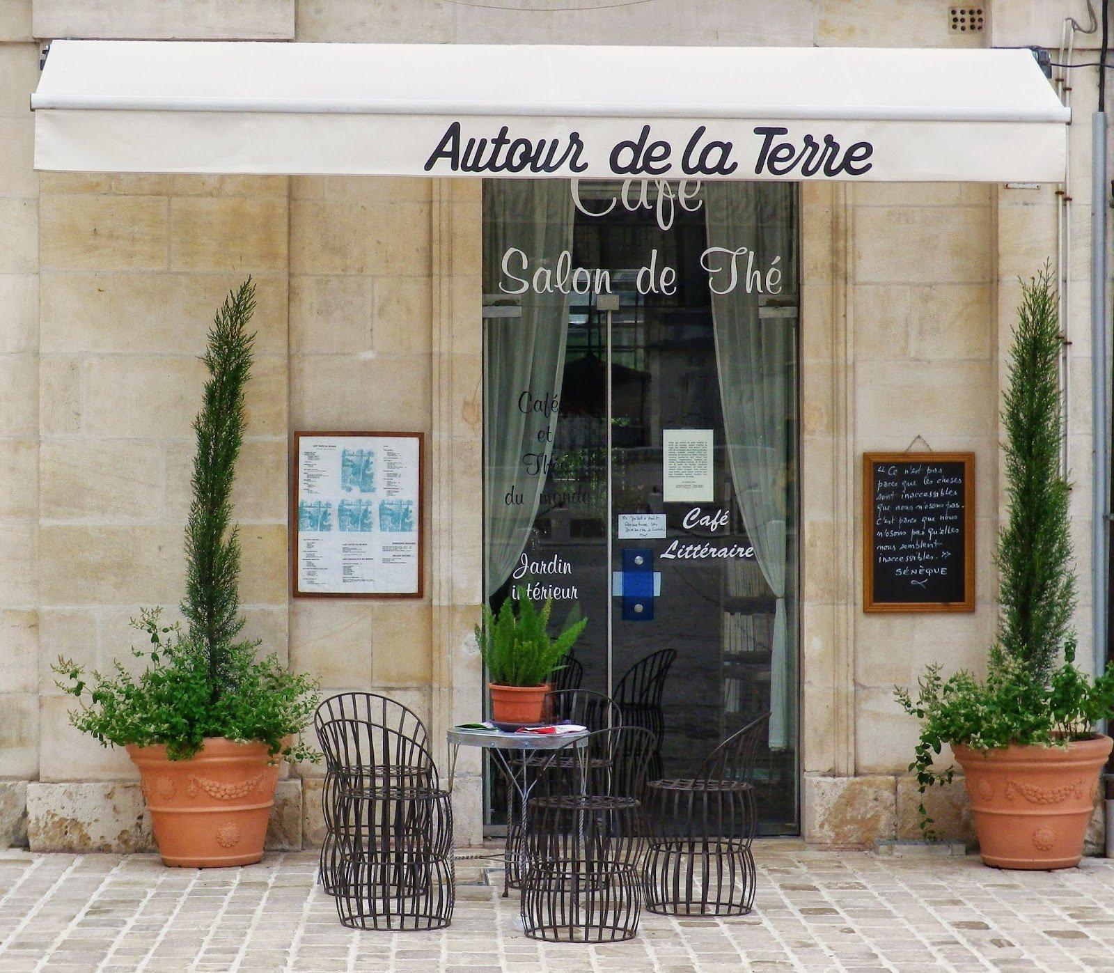 Autour de la Terre - Un Café, salon de thé hors du commun. 5