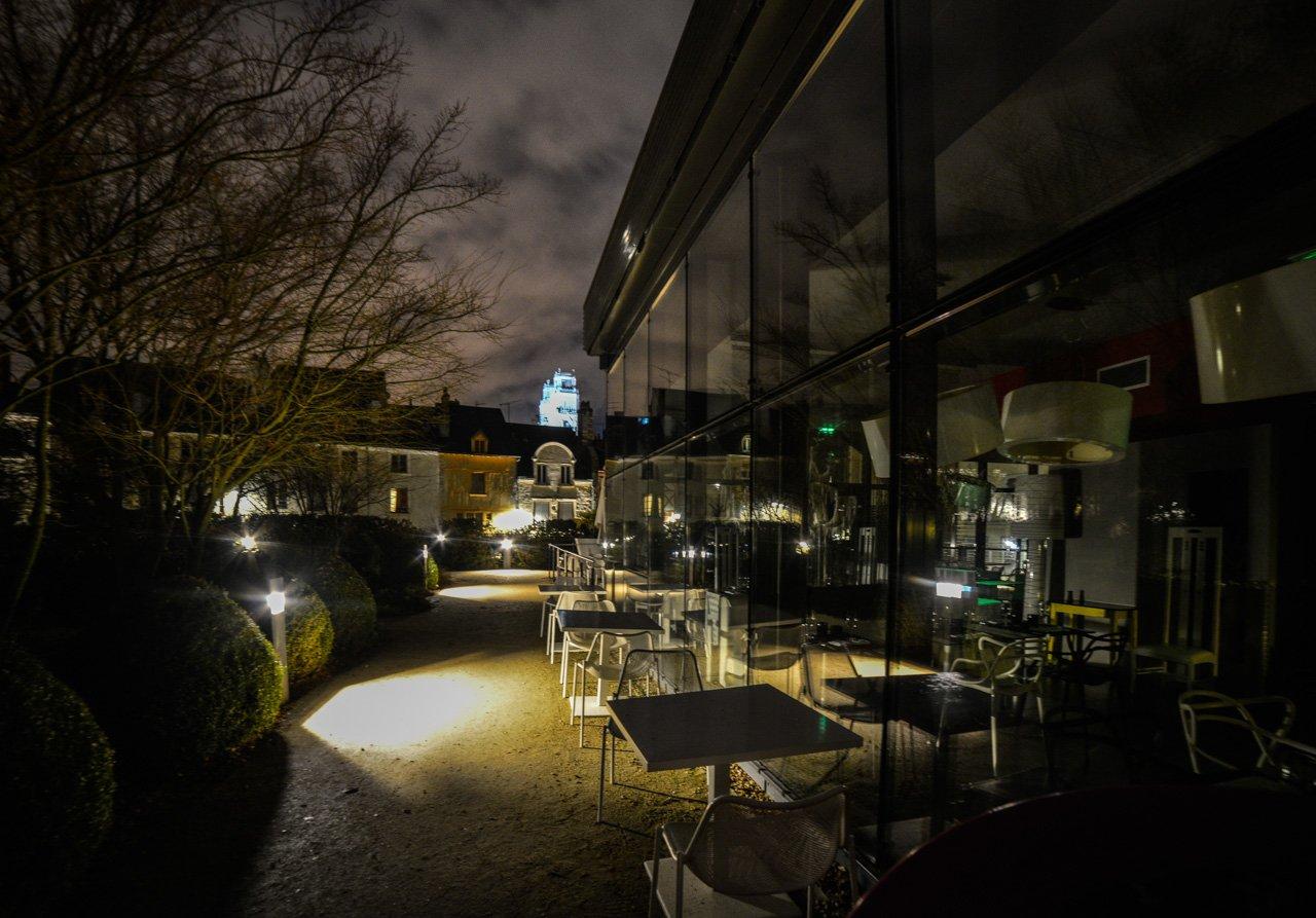 Ma photo du soir : le long du restaurant Le Lift sur terrasses du Châtelet. 6