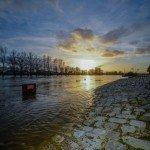 Le coucher de soleil sur la Loire qui déborde quai Chatelet 1