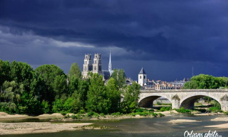 Notre photo du jour : jour d'orage sur Orléans 1