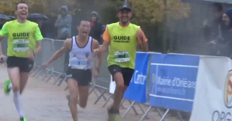 Nicolas Bompard, non voyant et 3ème du Marathon d'Orléans 3