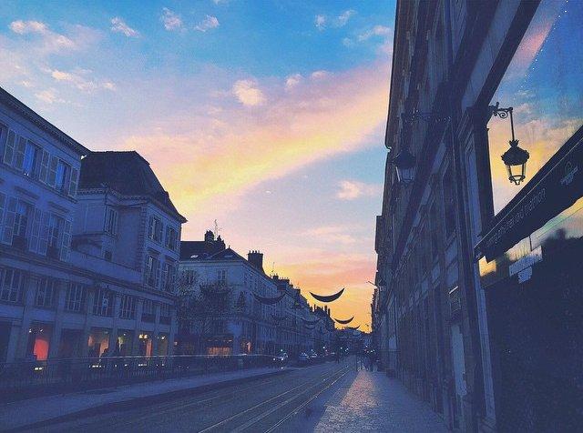 Orléans, retour au calme rue Jeanne d'Arc. 2