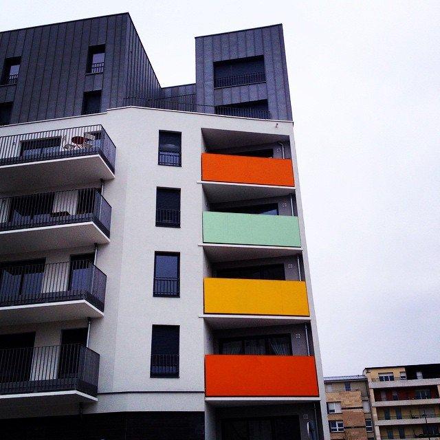 Et une façade d'immeuble de plus ... 10