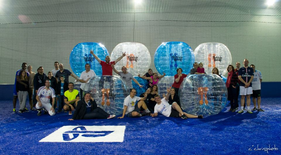 photo groupe bubble bump foot soccer park orléans fleury