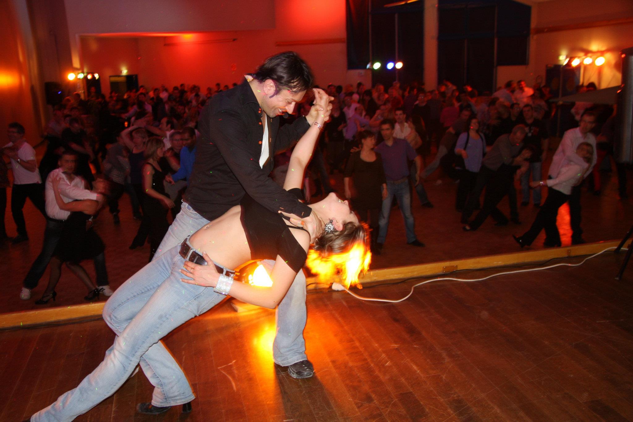 Salsa, Bachata, Kiz, venez danser librement ... 9