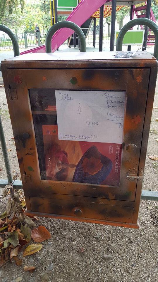 Boite à Lire Livres Boulevard Rocheplate Orléans (1)