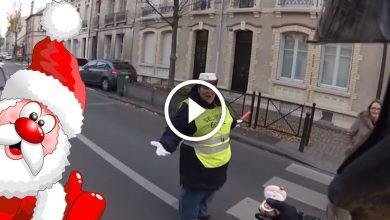 Photo of Le Père Noël est motard et se balade dans Orléans