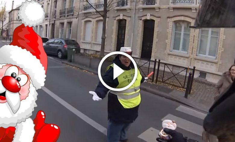 Le Père Noël est motard et se balade dans Orléans 1