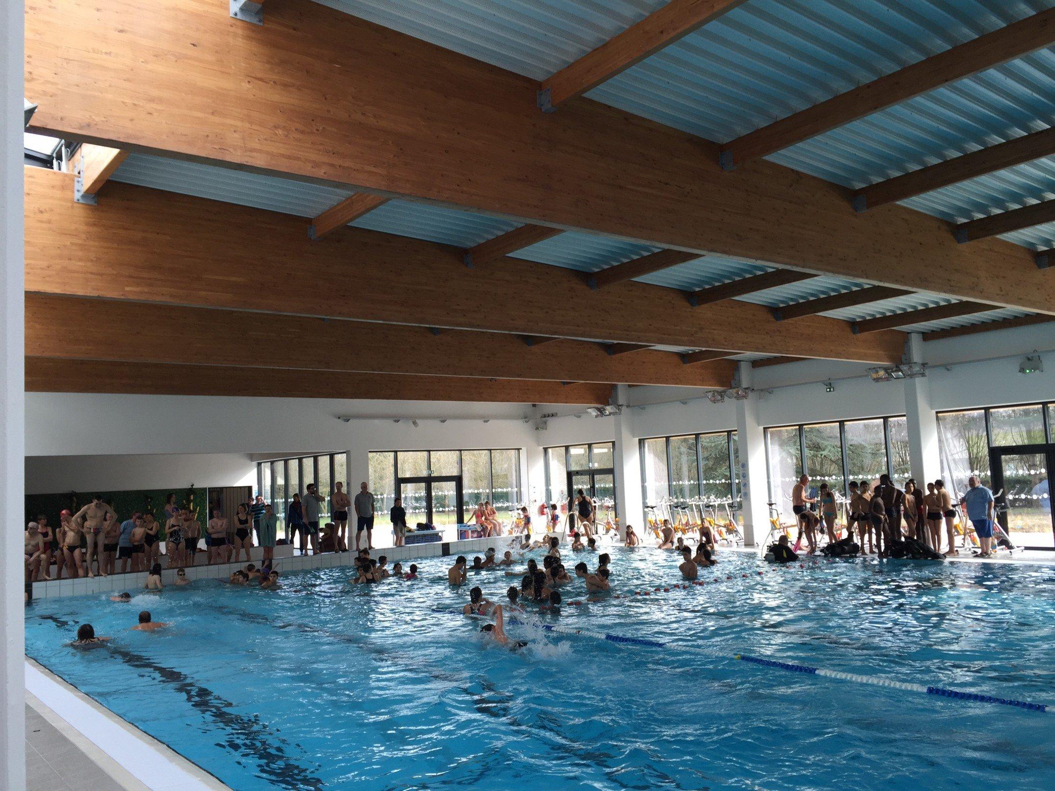 La nouvelle piscine l obraysie s ouvre au public pour for Piscine de checy