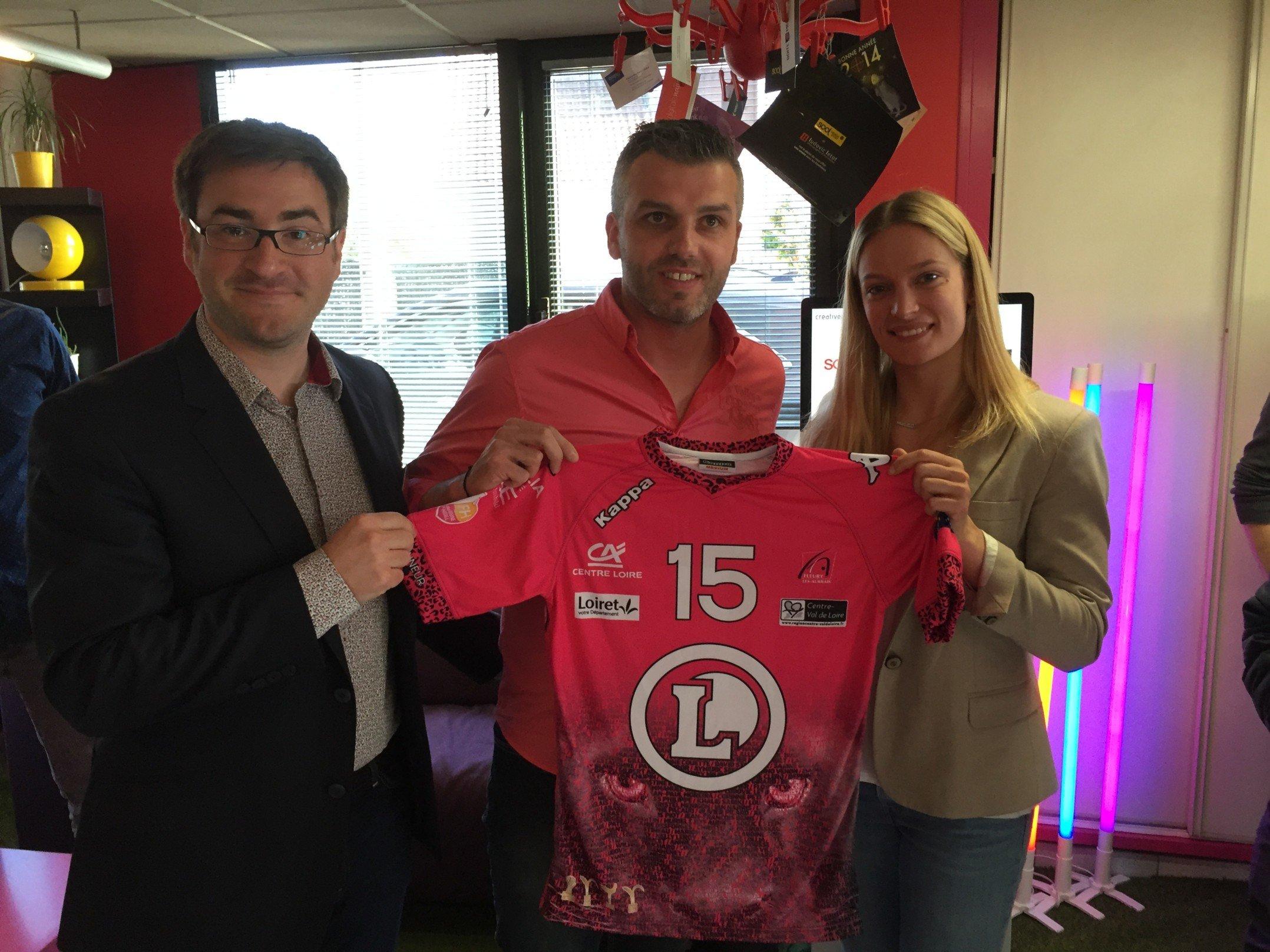 Le Fleury Loiret Handball présente son maillot 2016/2017 1