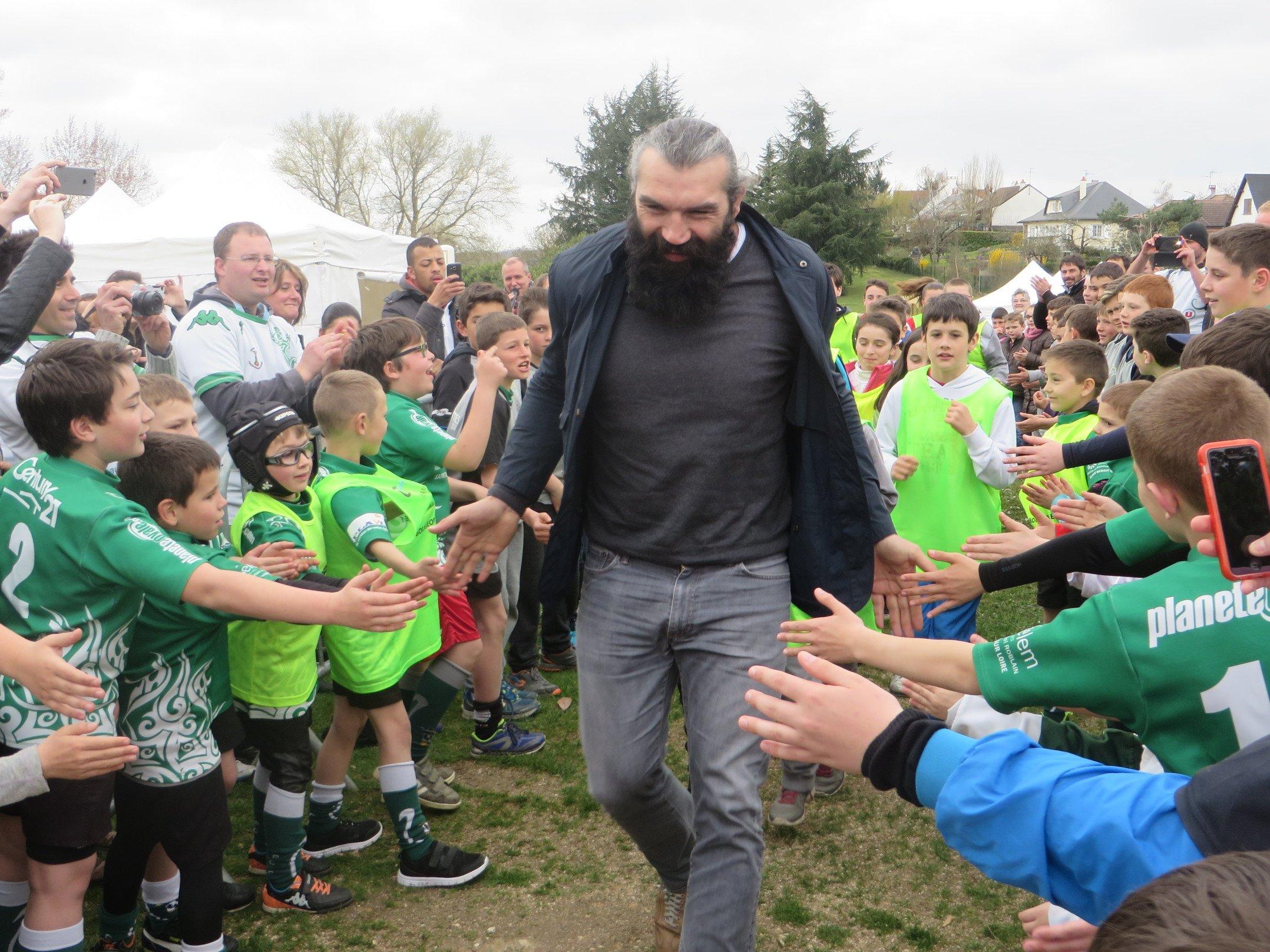Sébastien Chabal inaugure le Parc Multisports de Saint-Denis de l'hôtel 2