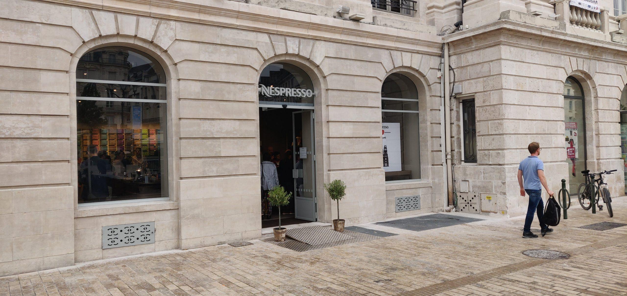 Nespresso a ouvert Place du Martroi 4