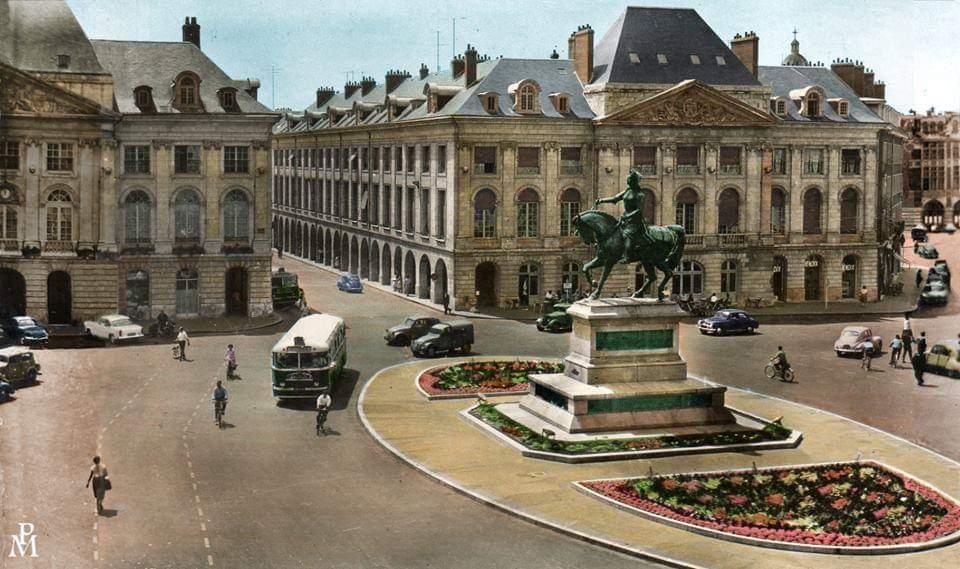 1960, Place du Martroi 1