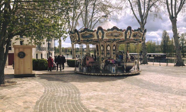 Le carrousel de retour Place de la Loire ! 1