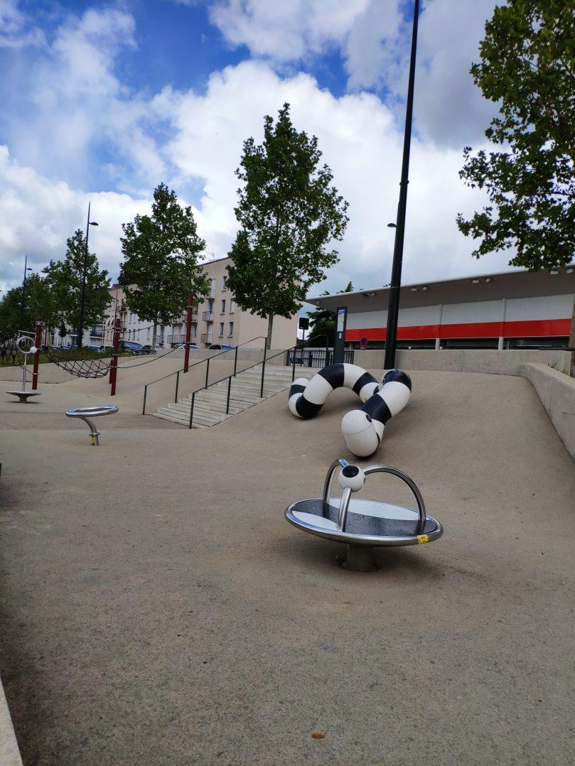 Carte: où trouver les meilleures aires de jeux pour enfants à Orléans ? 15