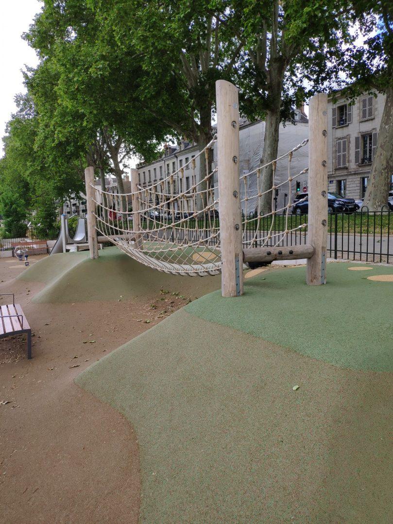 Carte: où trouver les meilleures aires de jeux pour enfants à Orléans ? 20