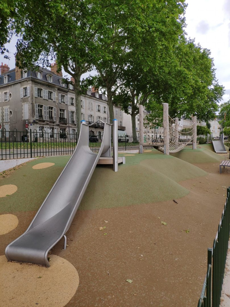 Carte: où trouver les meilleures aires de jeux pour enfants à Orléans ? 21