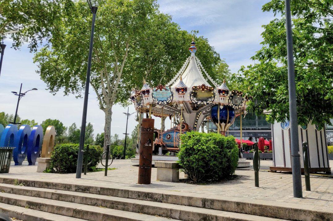 carrousel place de la loire orléans manège
