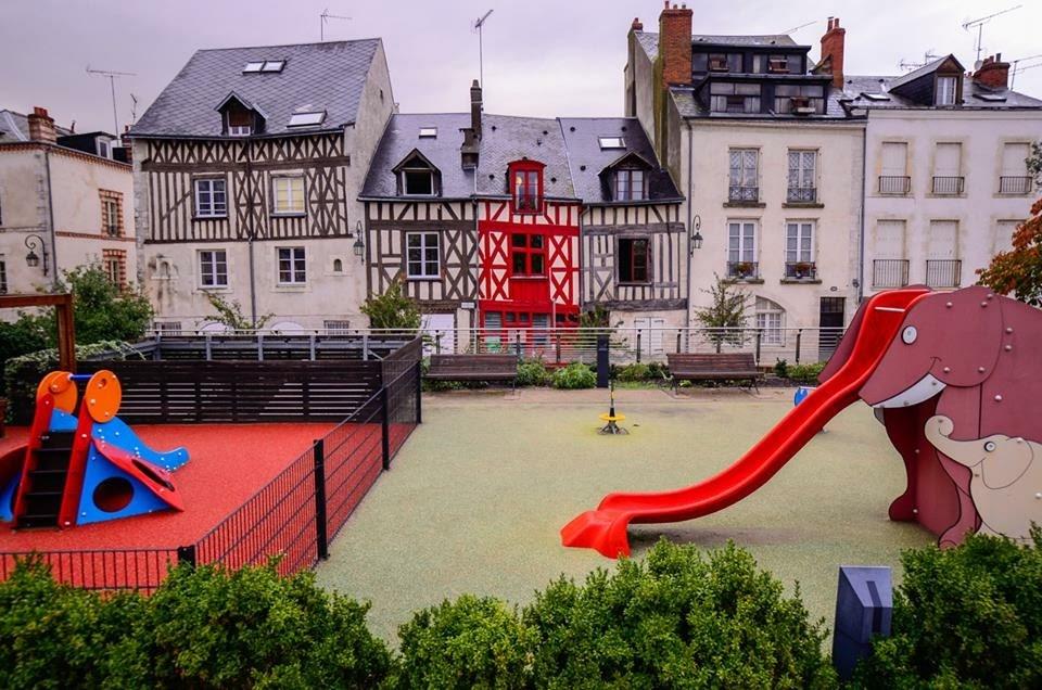 Carte: où trouver les meilleures aires de jeux pour enfants à Orléans ? 1