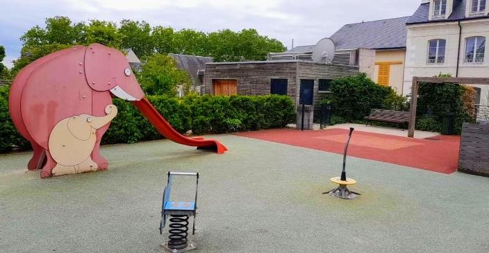 Carte: où trouver les meilleures aires de jeux pour enfants à Orléans ? 5