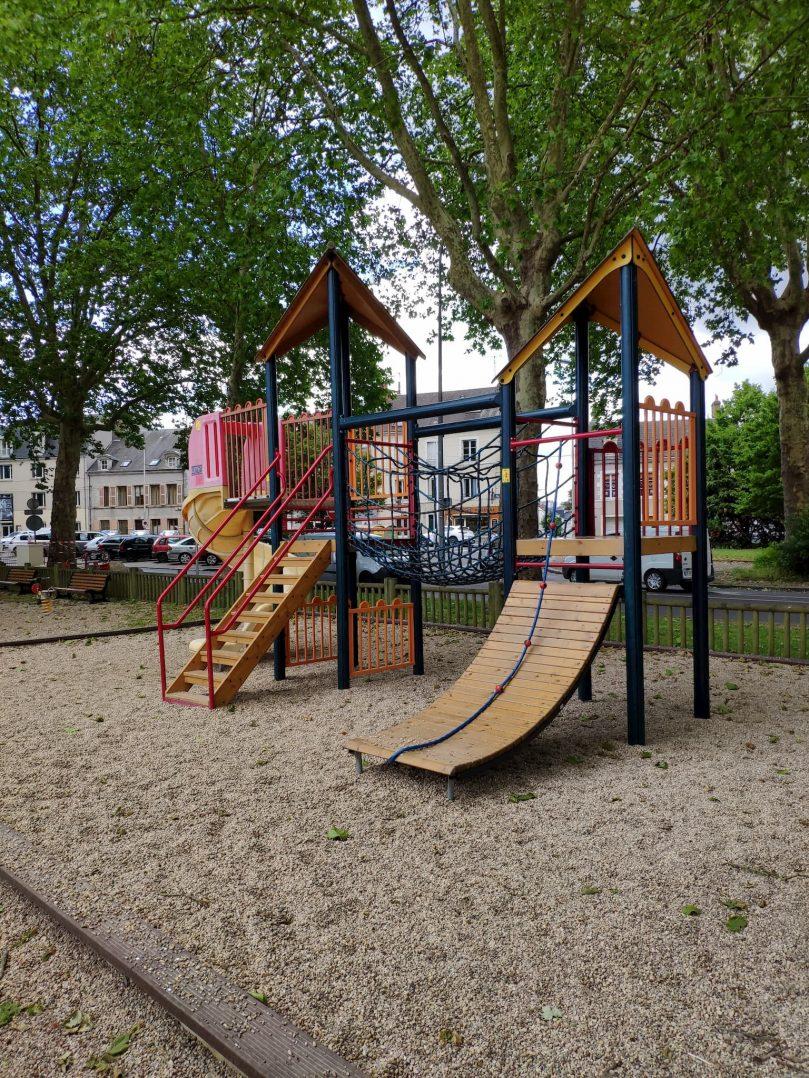 Carte: où trouver les meilleures aires de jeux pour enfants à Orléans ? 52