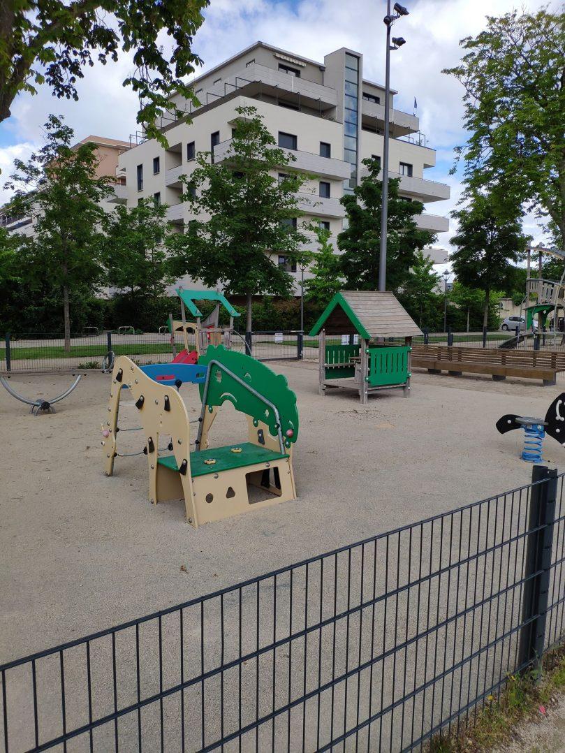 Carte: où trouver les meilleures aires de jeux pour enfants à Orléans ? 40