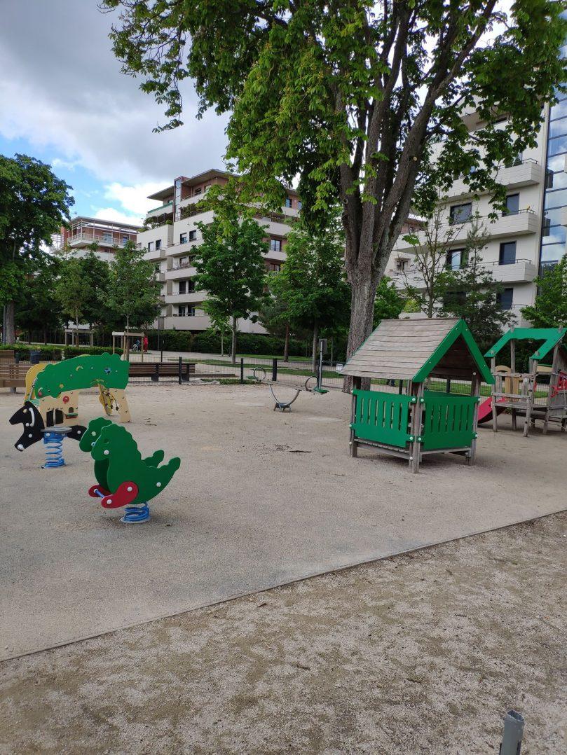 Carte: où trouver les meilleures aires de jeux pour enfants à Orléans ? 43