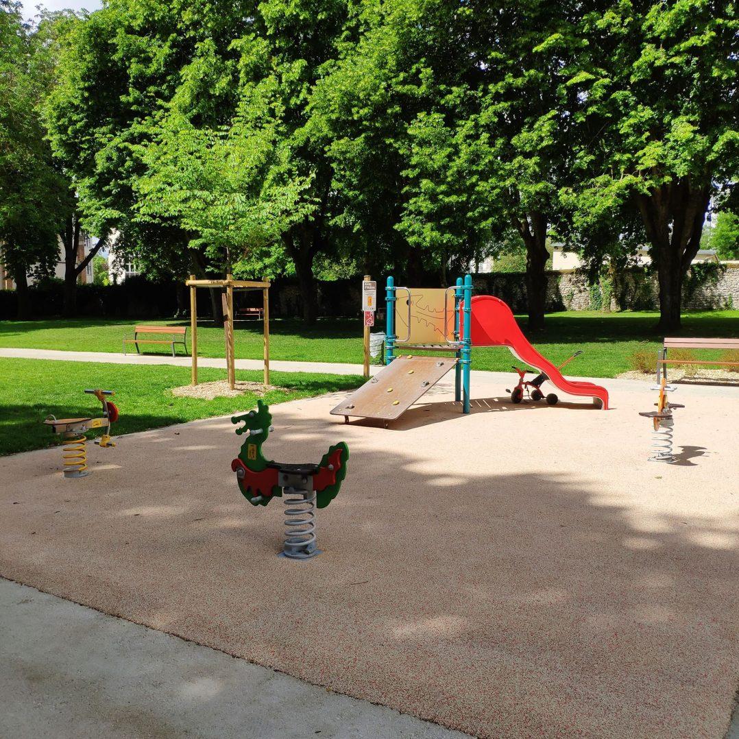 Carte: où trouver les meilleures aires de jeux pour enfants à Orléans ? 56