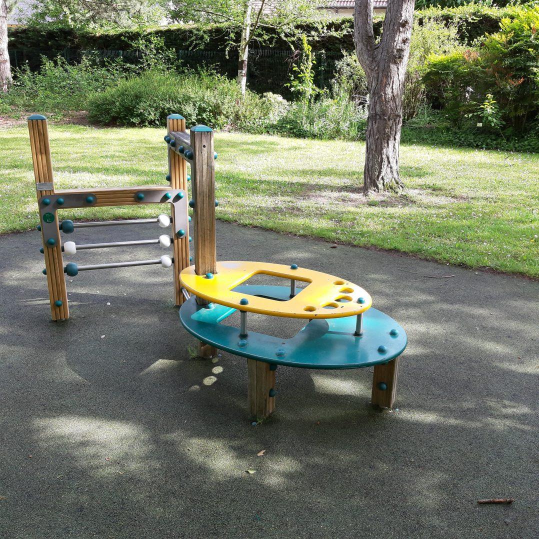 Carte: où trouver les meilleures aires de jeux pour enfants à Orléans ? 35