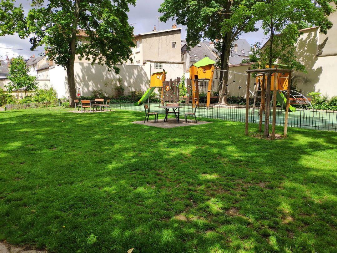 Carte: où trouver les meilleures aires de jeux pour enfants à Orléans ? 9