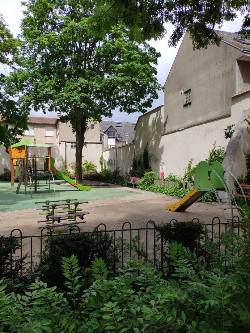 Carte: où trouver les meilleures aires de jeux pour enfants à Orléans ? 10