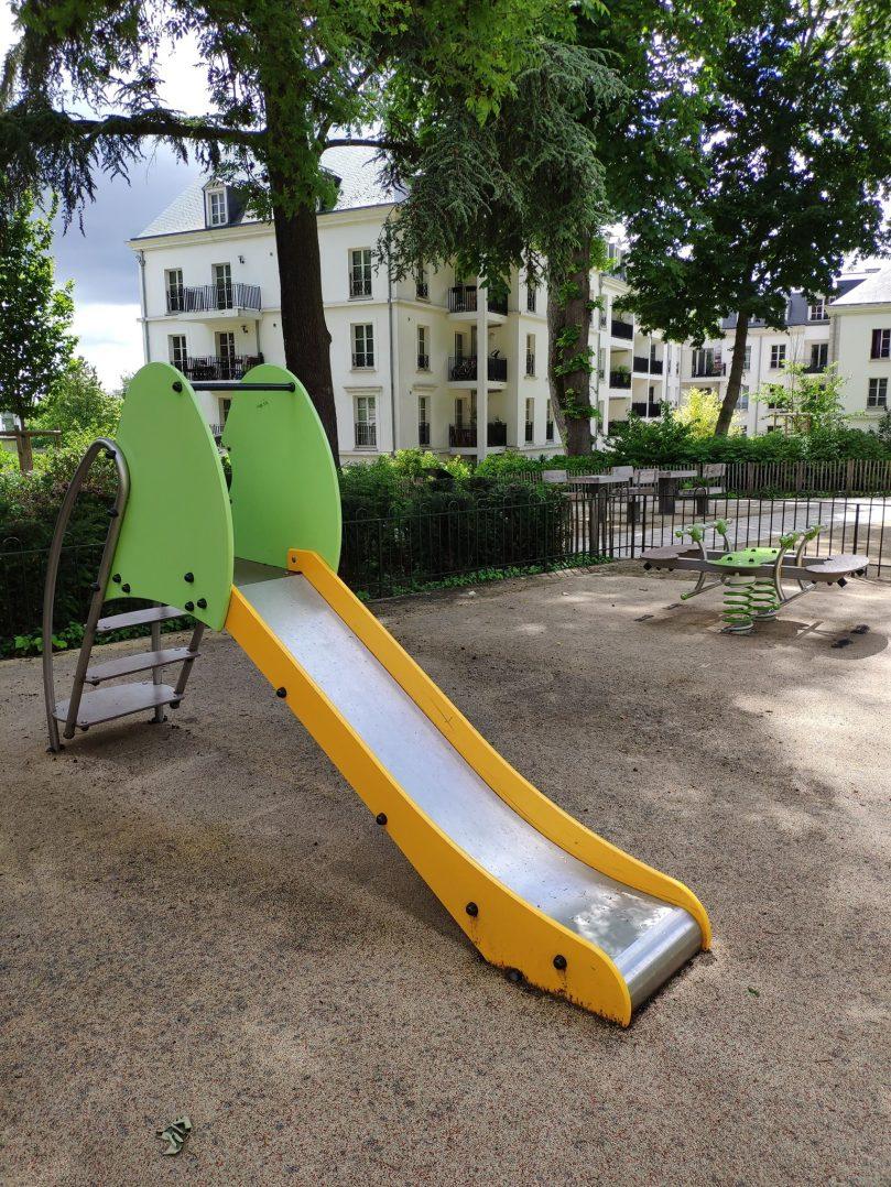 Carte: où trouver les meilleures aires de jeux pour enfants à Orléans ? 11