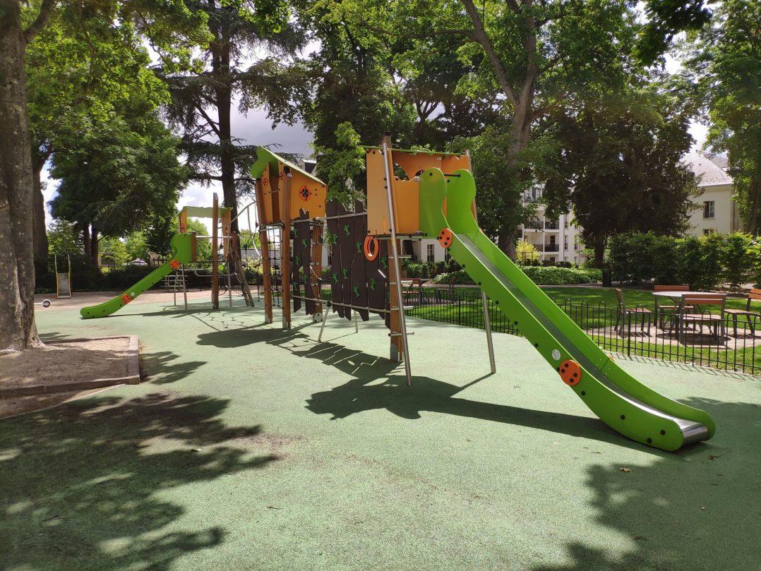 Carte: où trouver les meilleures aires de jeux pour enfants à Orléans ? 14