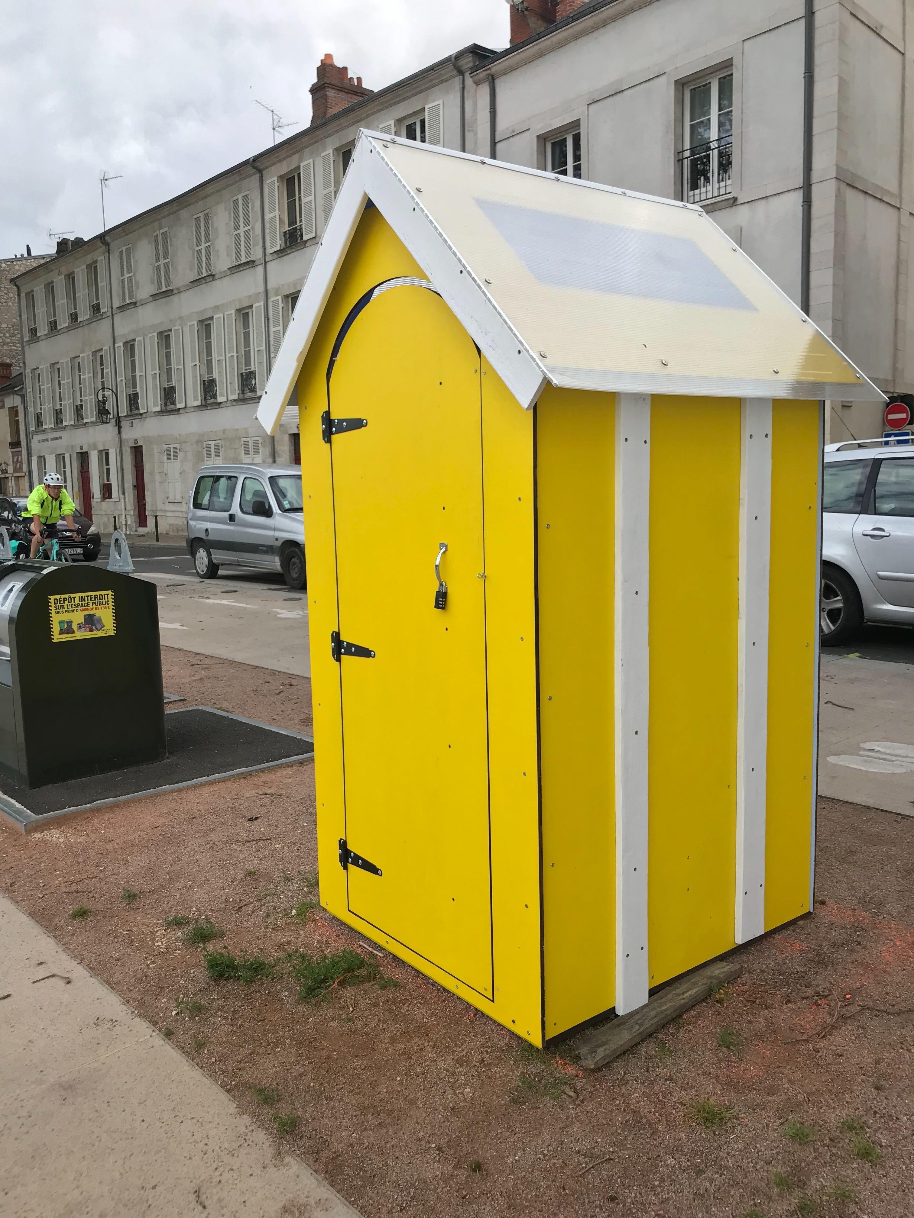 Des toilettes sèches sur les quais d'Orléans 4