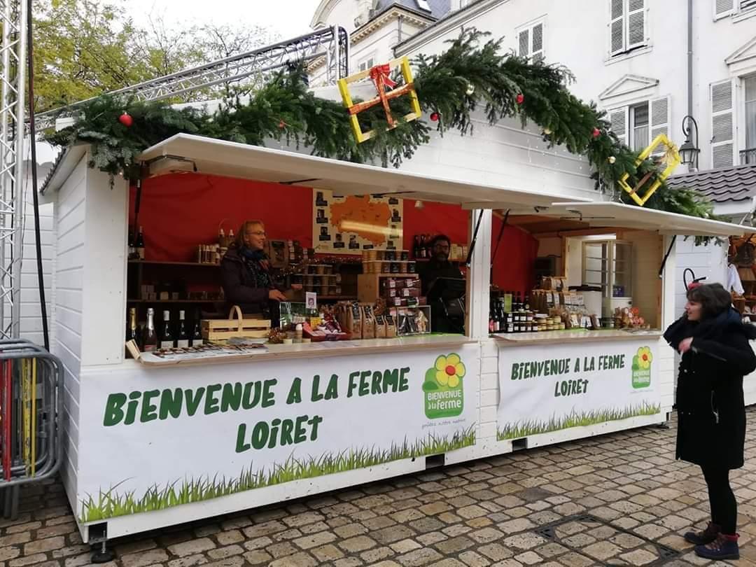 Le chalet de la Ferme du Loiret soutient les agriculteurs et producteurs locaux 1