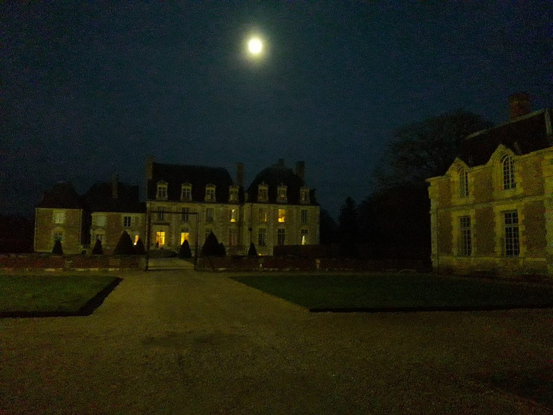 """""""Meurtre au château"""", un cluedo vivant et géant ! 2"""
