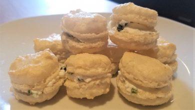 Photo de Des petits macarons chèvre-basilic pour l'apéro !
