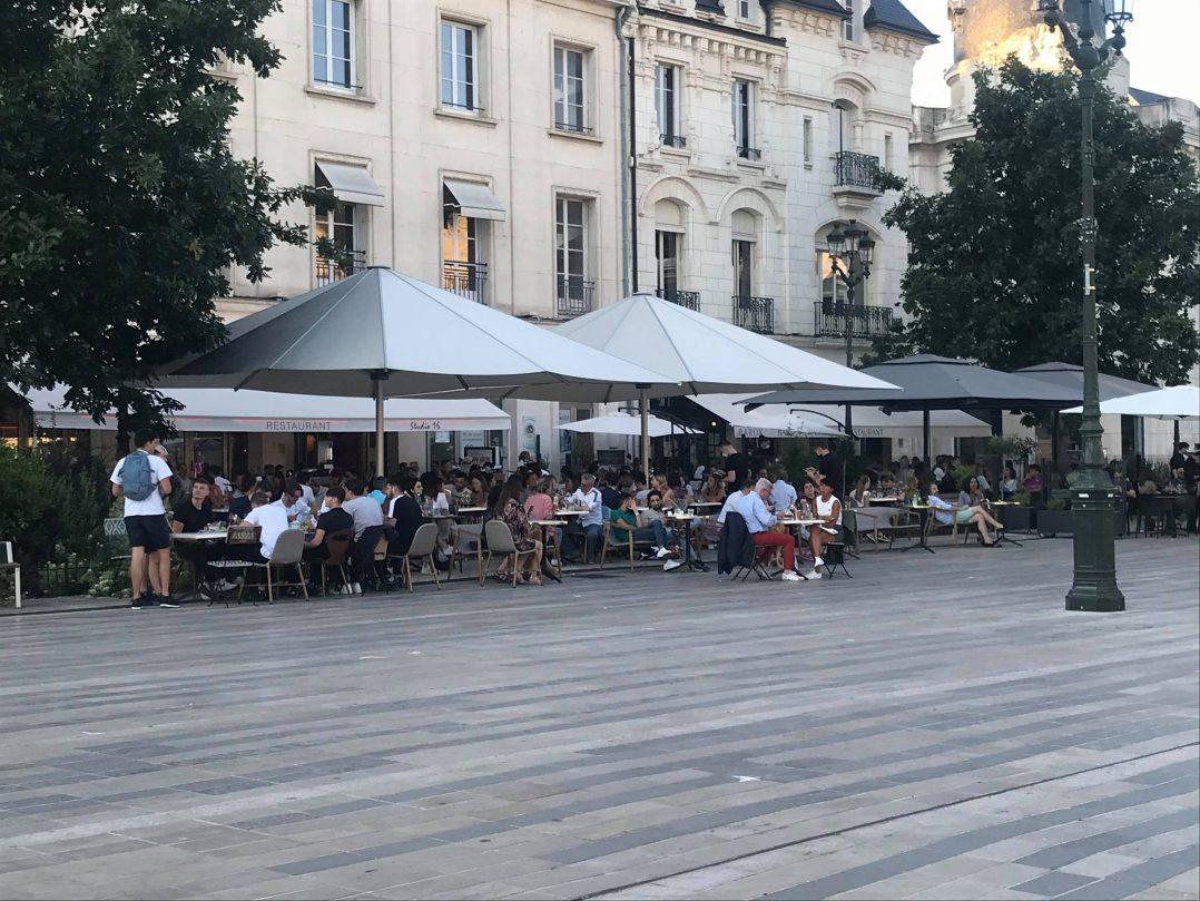 Les Orléanais renouent avec les restaurants et les bars 27