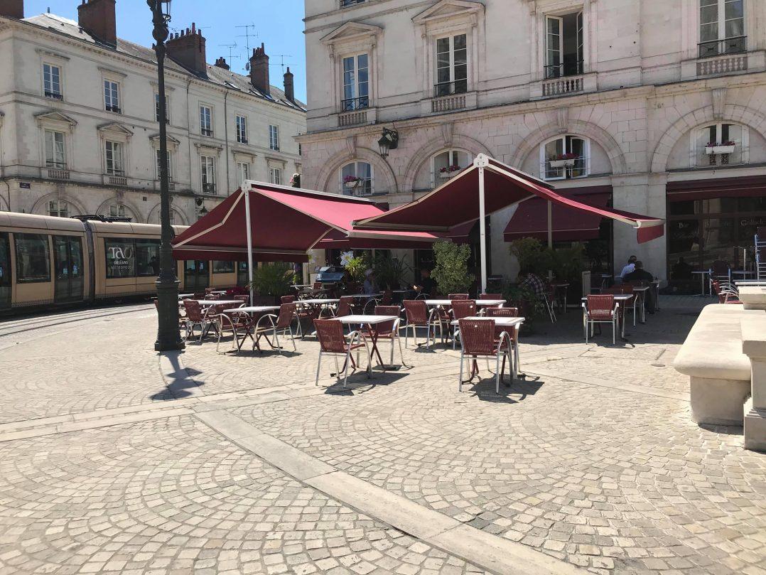 Les Orléanais renouent avec les restaurants et les bars 24