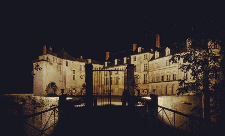 Découvrez le château de Saint-Brisson-sur-Loire en pleine nuit 1