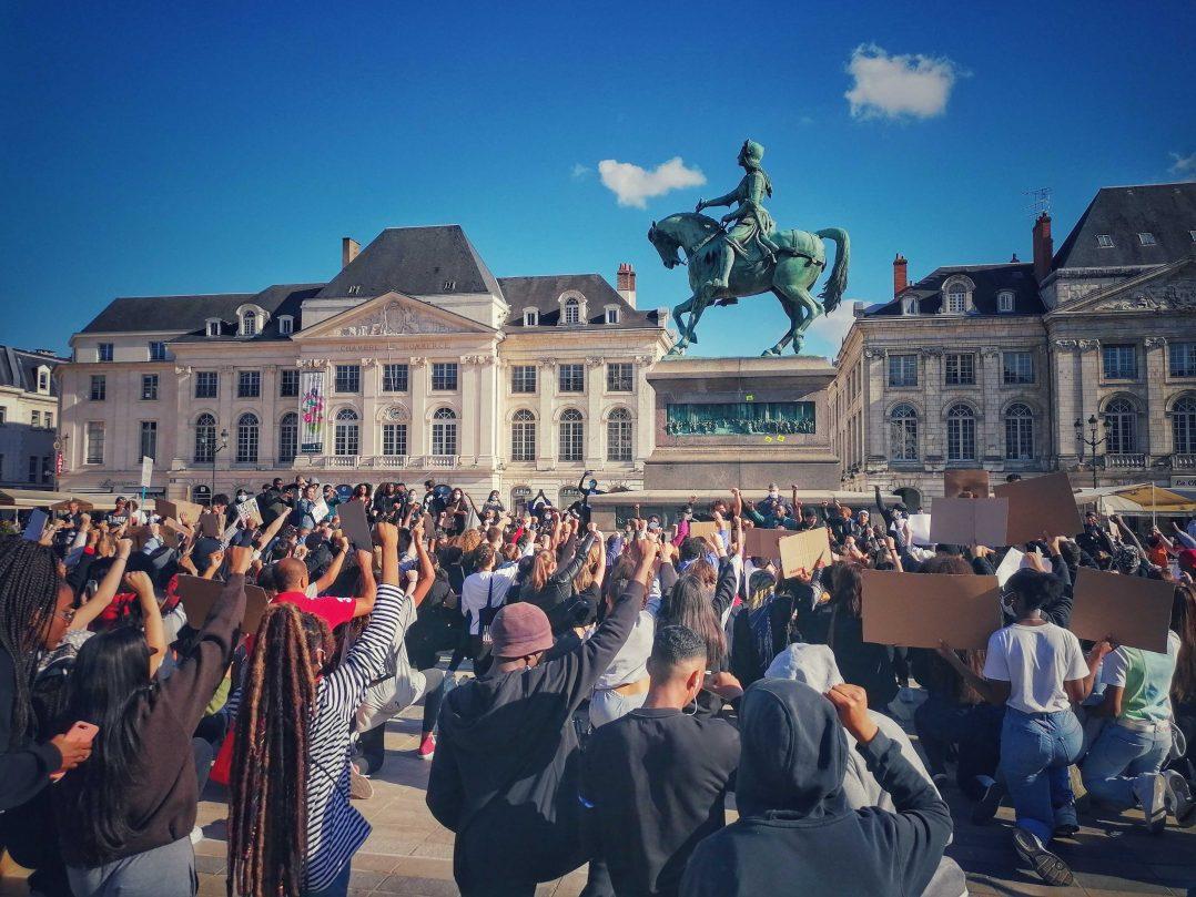 Black Lives Matter : retour en images sur le rassemblement orléanais 17