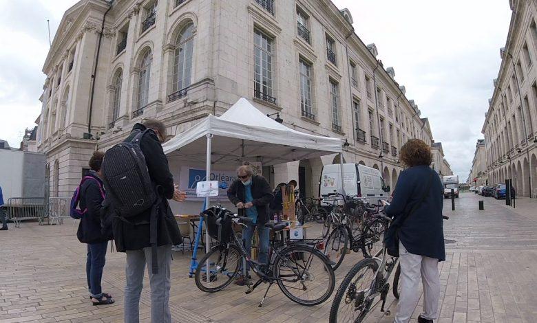 Le vendredi, Place du Martroi, remettez-vous en selle ! 1