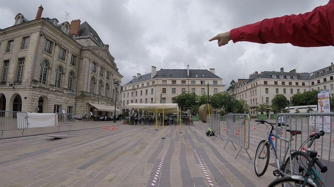 Le vendredi, Place du Martroi, remettez-vous en selle ! 2