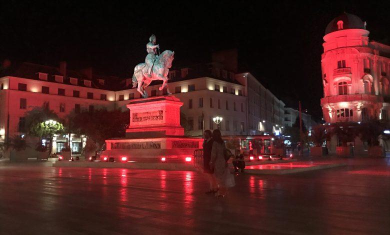 La statue de Jeanne d'Arc voit rouge 1