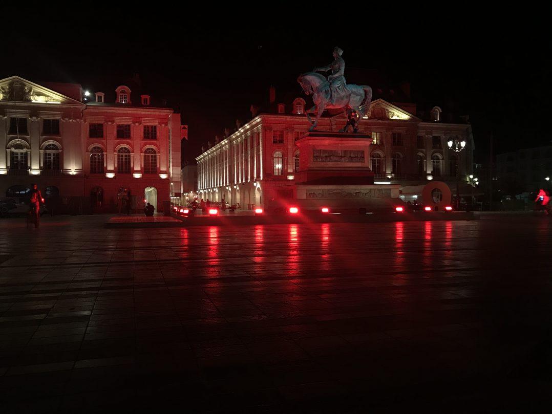 La statue de Jeanne d'Arc voit rouge 3