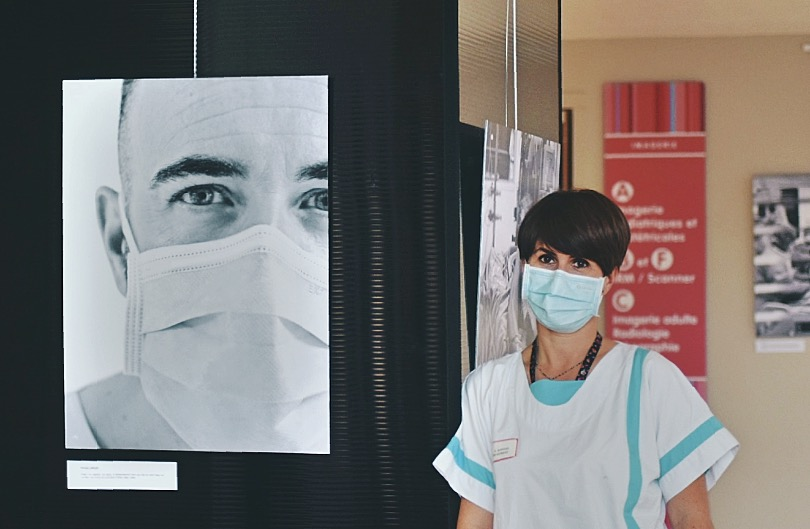 COVID-19 : Trois expositions consacrées aux personnels soignants. 12