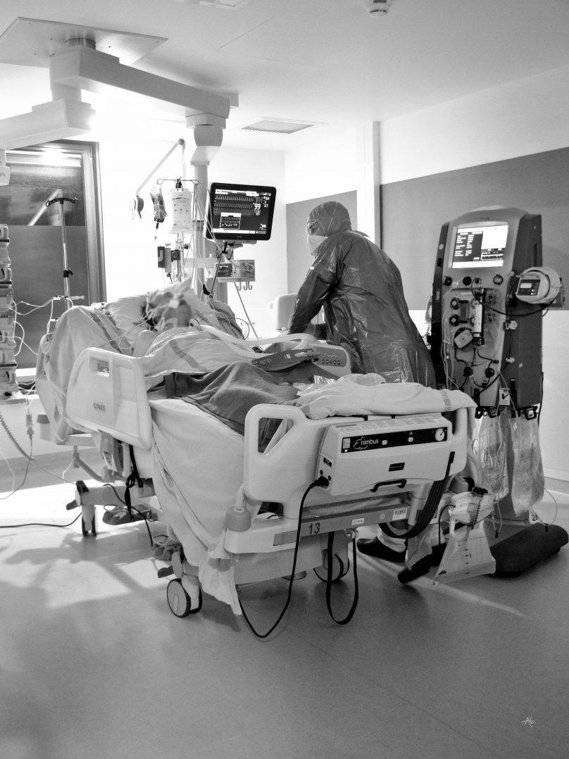 COVID-19 : Trois expositions consacrées aux personnels soignants. 18