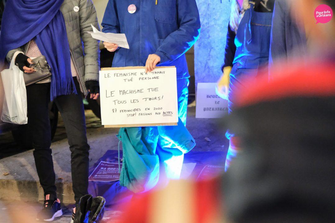 Un rassemblement contre les violences à l'égard des femmes 10