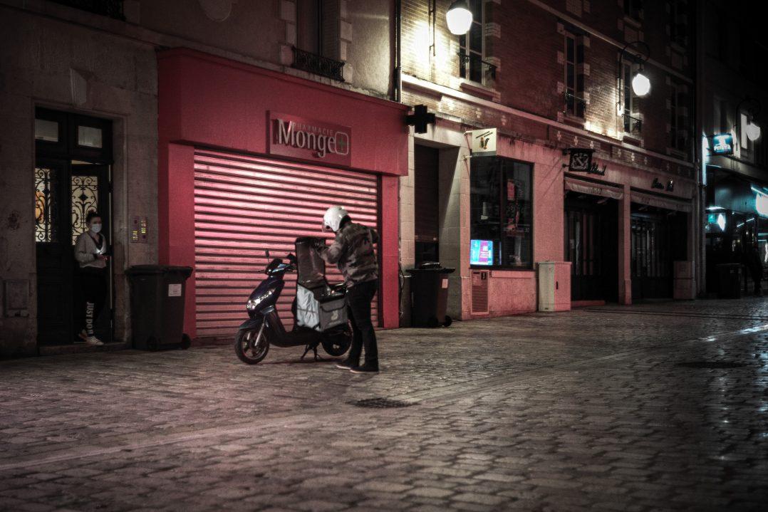 Les invisibles : rencontre avec les livreurs de repas orléanais 4